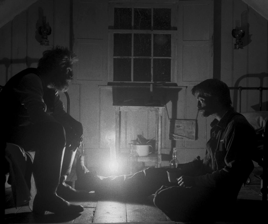 маяк, 10 черно-белых фильмов