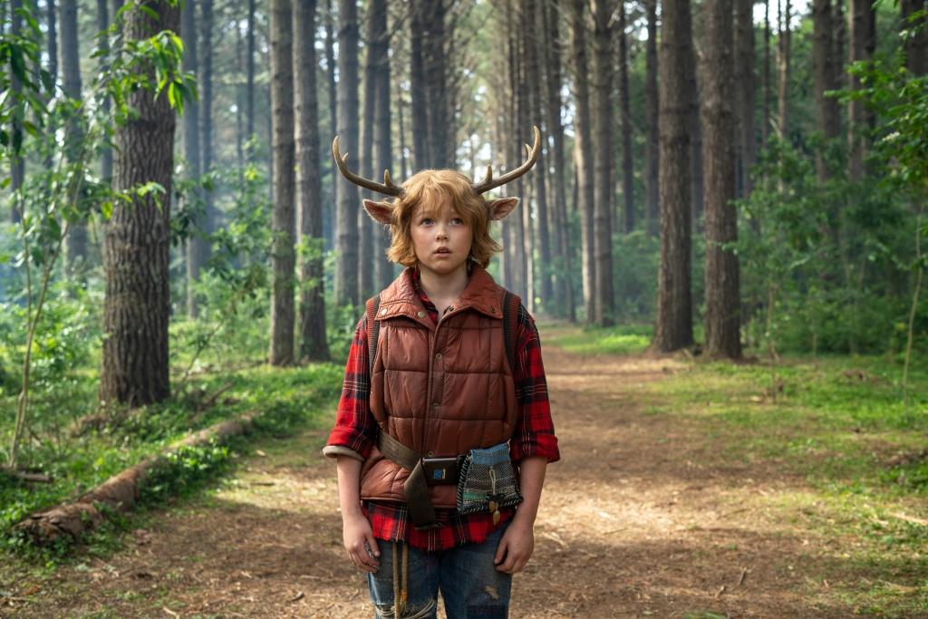 Сластена: мальчик с оленьими рогами